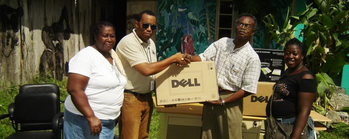 Col Lumsden Charles Town Maroon  Council receives office equipment